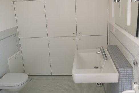 Maispracherstrasse Dachgeschoss Bad