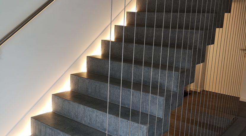 Maispracherstrasse Dachgeschoss Treppe