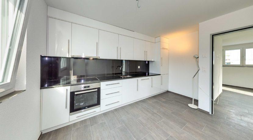 Neue Einbauküche in Dachwohnung in Samlsach - Retronova Immobilien AG