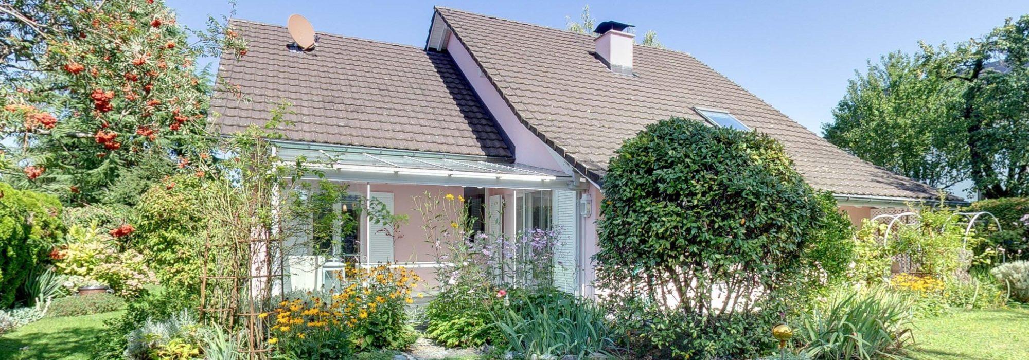 Villa in bester Bottighofer Lage mit Ausbaureserve, Garten und Fussnähe zum Yachthafen