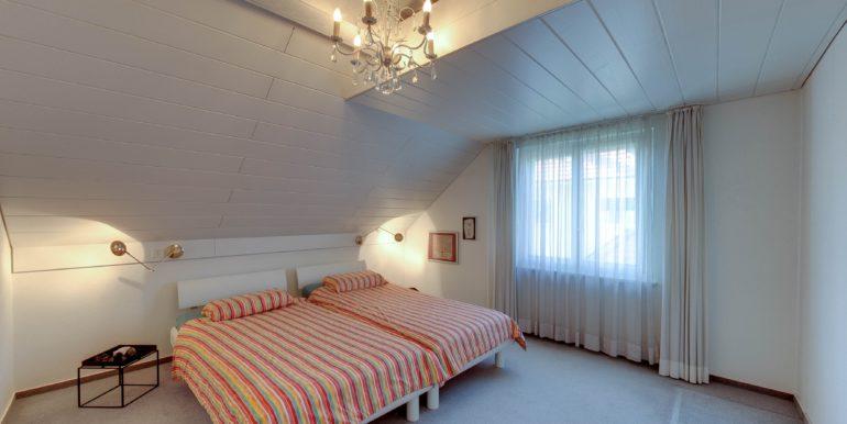 Schlafzimmer-OG-Wohnen-in-Bottighofen