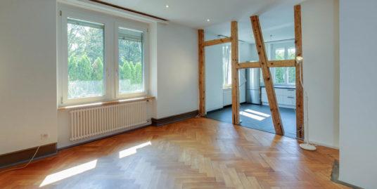 Altbauwohnung in Kreuzlinger Stadtvilla an der Grenze zu Konstanz
