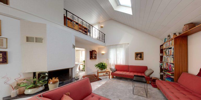 Wohnzimmer-mit-Galerie