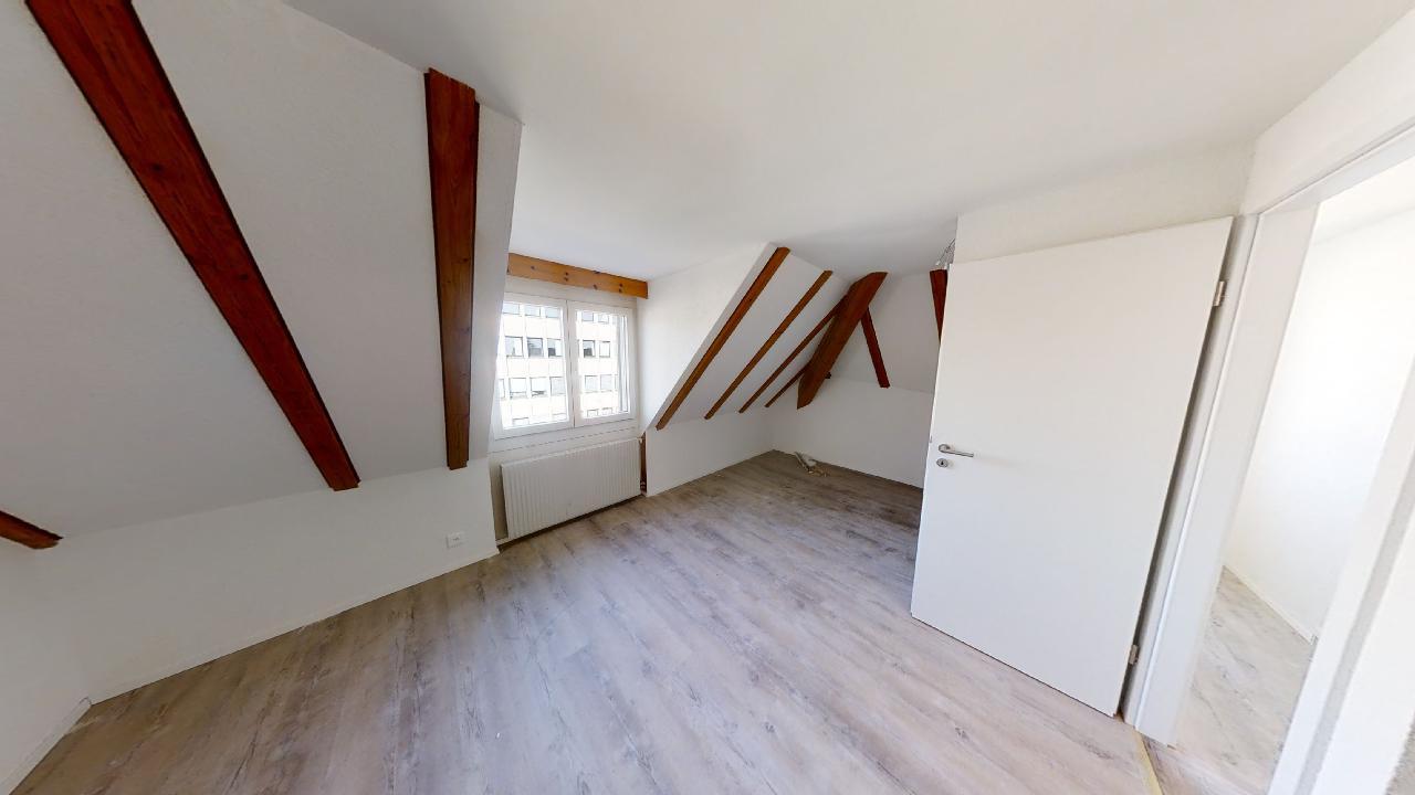 Sanierte Altbau-Dachgeschoss-Duplex Wohnung am Boulevard: 500m nach Konstanz, 700m zum Bahnhof