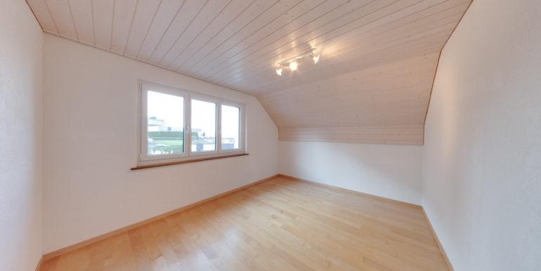 Zimmer-links-OG-Exklusives Wohnen am Rorschacherberg!