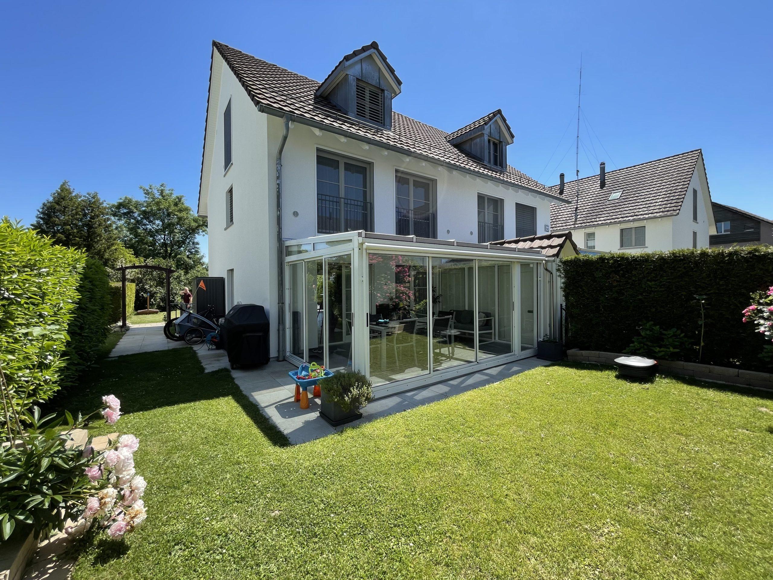 Doppelhaushälfte im Grünen und doch Stadt-nah – Zürich Oberglatt